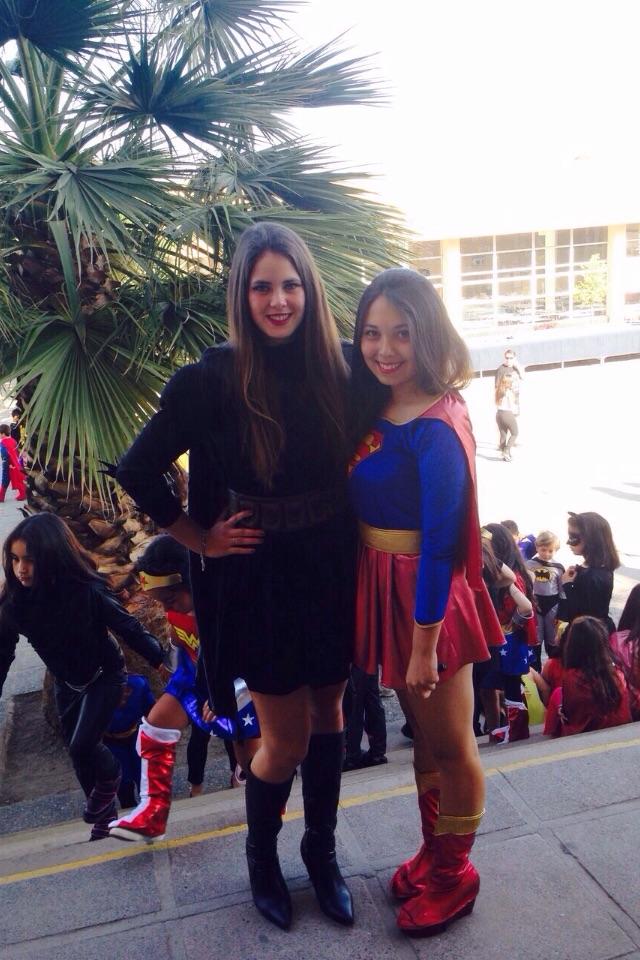 Mit Dani als Superwoman